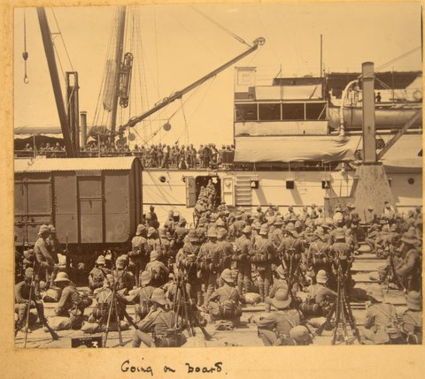 An interesting photo of troops embarking, in India c1902, which shows the Khaki Solar Pith Hat being worn by some soldiers with their Colonial pattern helmet strapped across their backs.