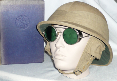 Even a book on a civil expedition can be a source for military pith helmets. (Author´s collection)