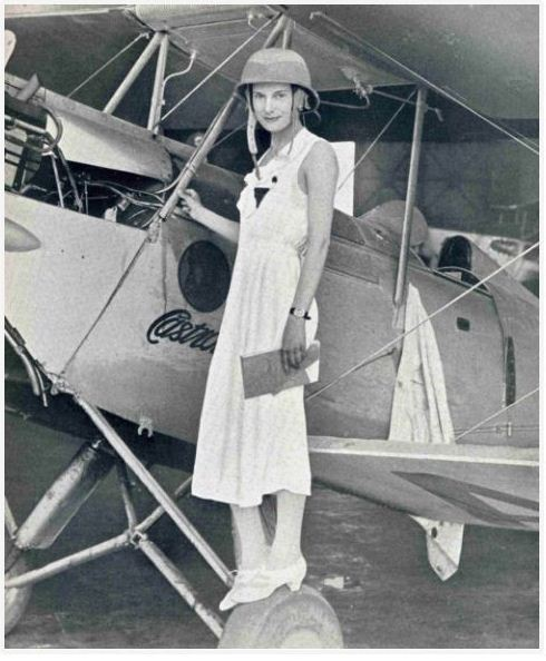 In their time, the female aviation pioneers were well known and popular like film stars. Who wonders viewing this picture of Jean Gardner Batten?