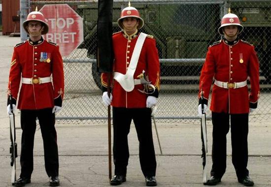6fc4554338d66 The Modern Wolseley Helmet of the Royal Canadian Regiment