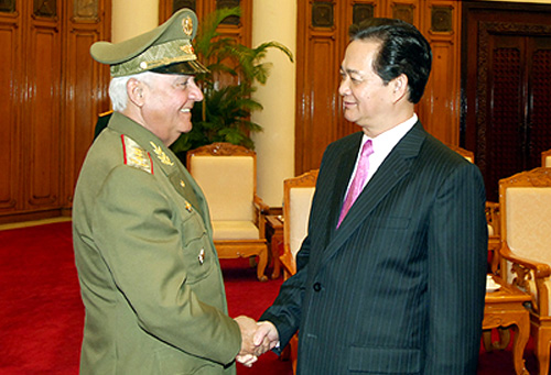 The September 2012 meeting of Joaquin Quintas Sola and Nguyễn Tấn Dũng.