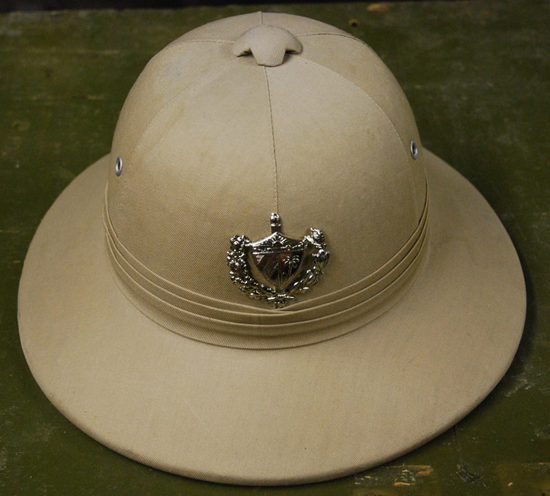 A variation of the same pattern; this example features a Cuban Army cap badge and was reportedly used in summer time exercises.