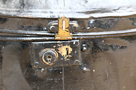 The lock and key method of locking the tin. (Author's collection)