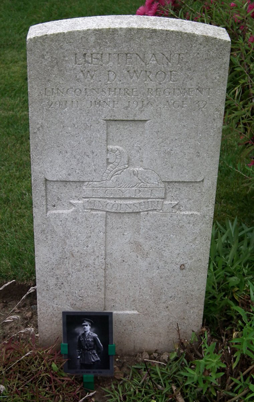 The grave of Lieutenant Wilfred Dent Wroe at Becourt Military Cemetery, Becordel-Becourt, The Somme, France.