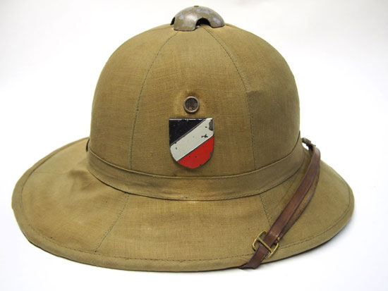8c5da6603ef17 One still hotly disputed debate surrounds what was the first sun helmet  utilized by the Third Reich. It is true that the Kriegsmarine used a  pressed fiber ...